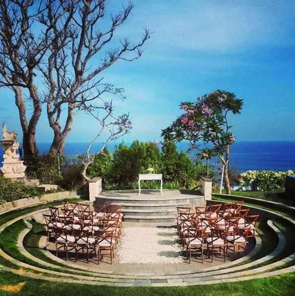 Beach Wedding Venues Washington State: Pandawa Cliff Estate, Uluwatu, Bali Weddings // Bali