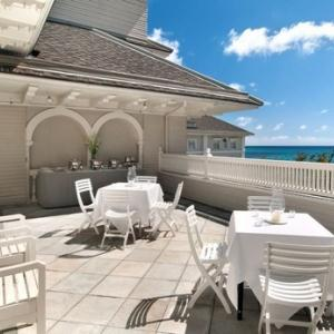 Moana Surfrider Waikiki Beach, Hawaii - Oahu Wedding Venue 6