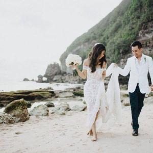 Linh and Khoa married in Bali